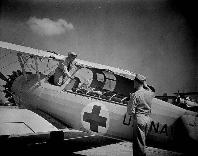 Boeing stearman n2s kaydet ambulance 1942