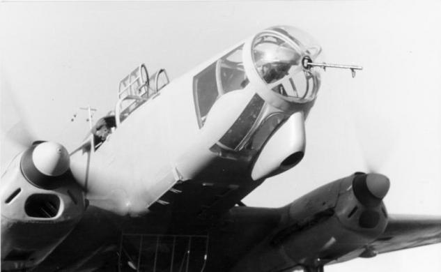 bundesarchiv-bild-101i-396-1623-23a-flugzeug-focke-wulf-fw-58-weihe.jpg
